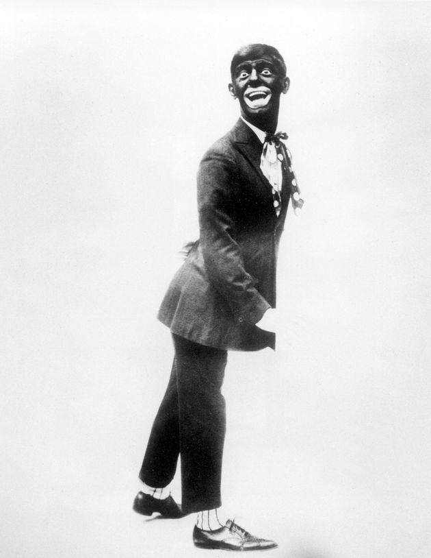 1920년대 미국 백인 코미디언 에디 캔터의 모습은 '블랙 페이스' 분장의 전형을 보여준다. 석탄에 가까운 어두운 검은 빛의 얼굴과 큰 입, 붉고 두터운 입술, 짧고 곱슬거리는 헤어스타일을