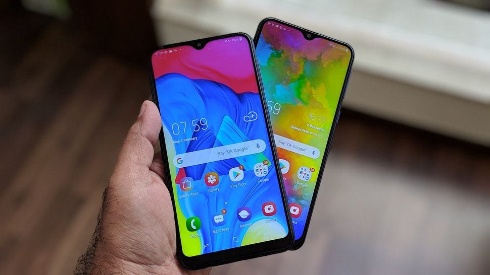The Samsung Galaxy M10 (left) and the Galaxy M20