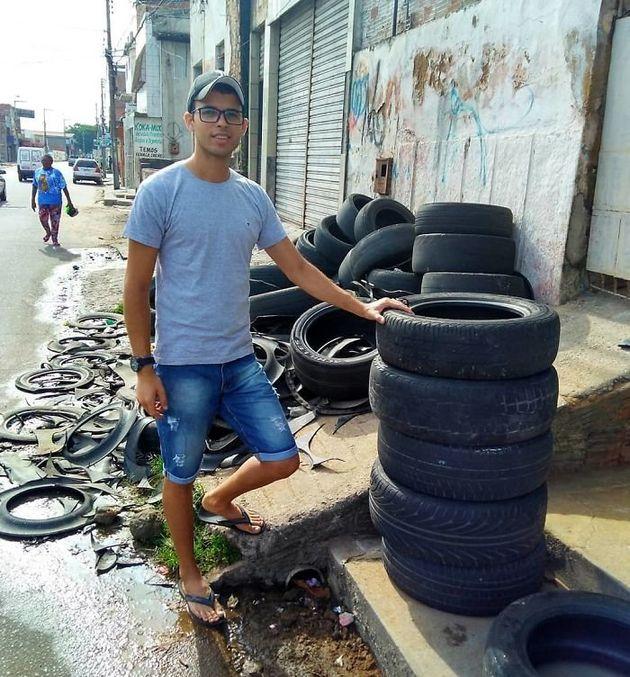 어느 브라질 공예가가 낡은 타이어를 아름답게 재활용한
