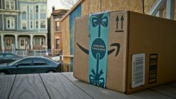 Los Angeles Times: Πώς η Amazon τσεπώνει τα φιλοδωρήματα των