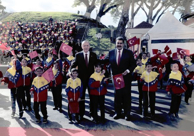 Der türkische Präsident Erdogan mit seinem Verbündeten