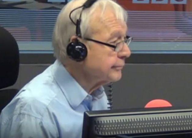 Οικονομολόγος γδύθηκε σε εκπομπή του BBC για το Brexit: Άναυδος ο