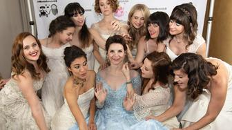 bride-invited-all-her-guests-to-wear-their-old-wedding-dresses-to-her-wedding