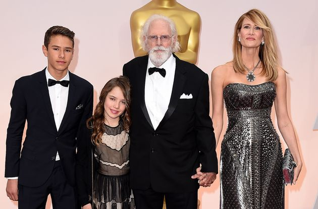 Dern with her kids and father, Bruce Dern, in
