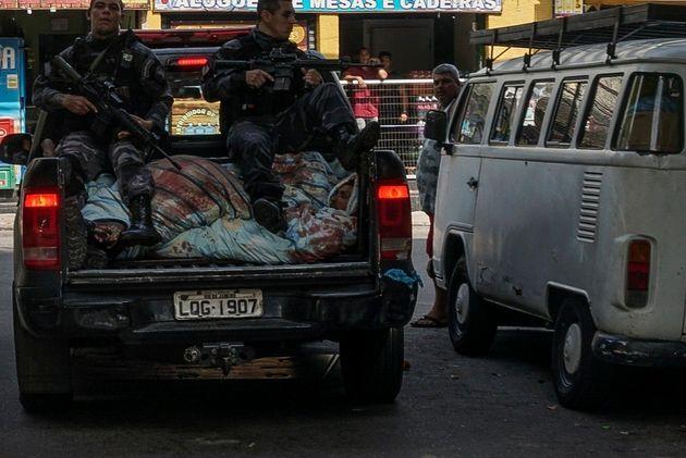 Βραζιλία: Τουλάχιστον 13 νεκροί σε αστυνομική επιχείρηση στις φαβέλες του
