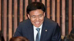 '연수 중 스트립바 방문' 논란의 한국당 최교일 의원이 내놓은