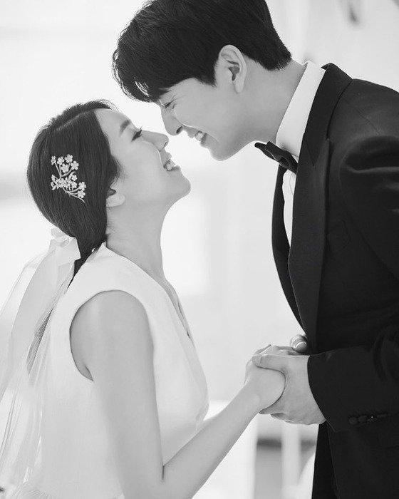 TV조선 '연애의 맛'을 통해 만난 배우 이필모와 서수연씨가 오늘(9일) 결혼식을