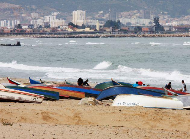 Oran: 13 candidats à l'émigration clandestine secourus et 2 corps sans vie repêchés au nord de Cap