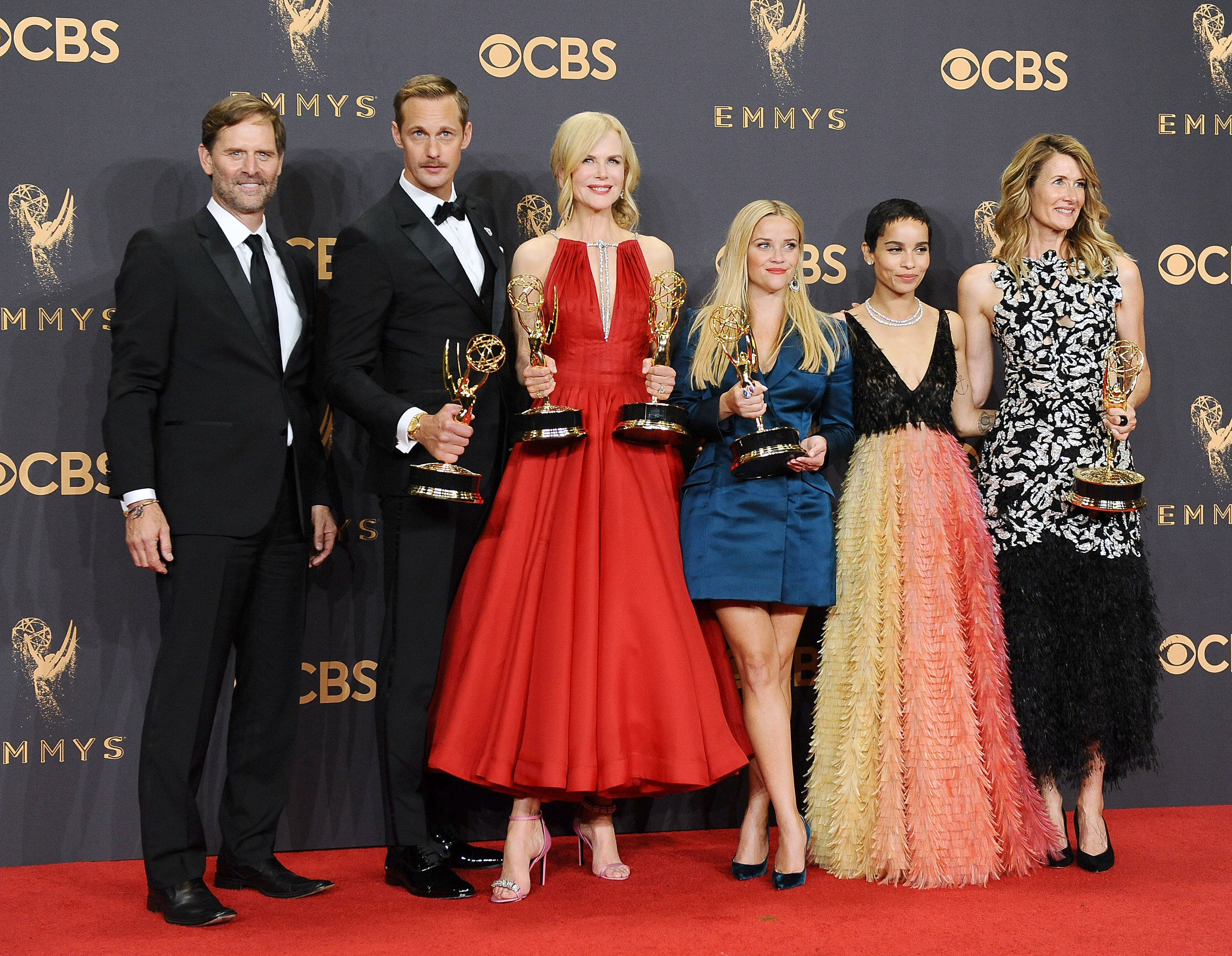 LOS ANGELES, CA - SEPTEMBER 17:  (L-R) Actors Jeffrey Nordling, Alexander Skarsgard, Nicole Kidman, Reese Witherspoon, Zoe Kravitz and Laura Dern, winners of Outstanding Limited Series for 'Big Little Lies', pose in the press room at the 69th annual Primetime Emmy Awards at Microsoft Theater on September 17, 2017 in Los Angeles, California.  (Photo by Jason LaVeris/FilmMagic)
