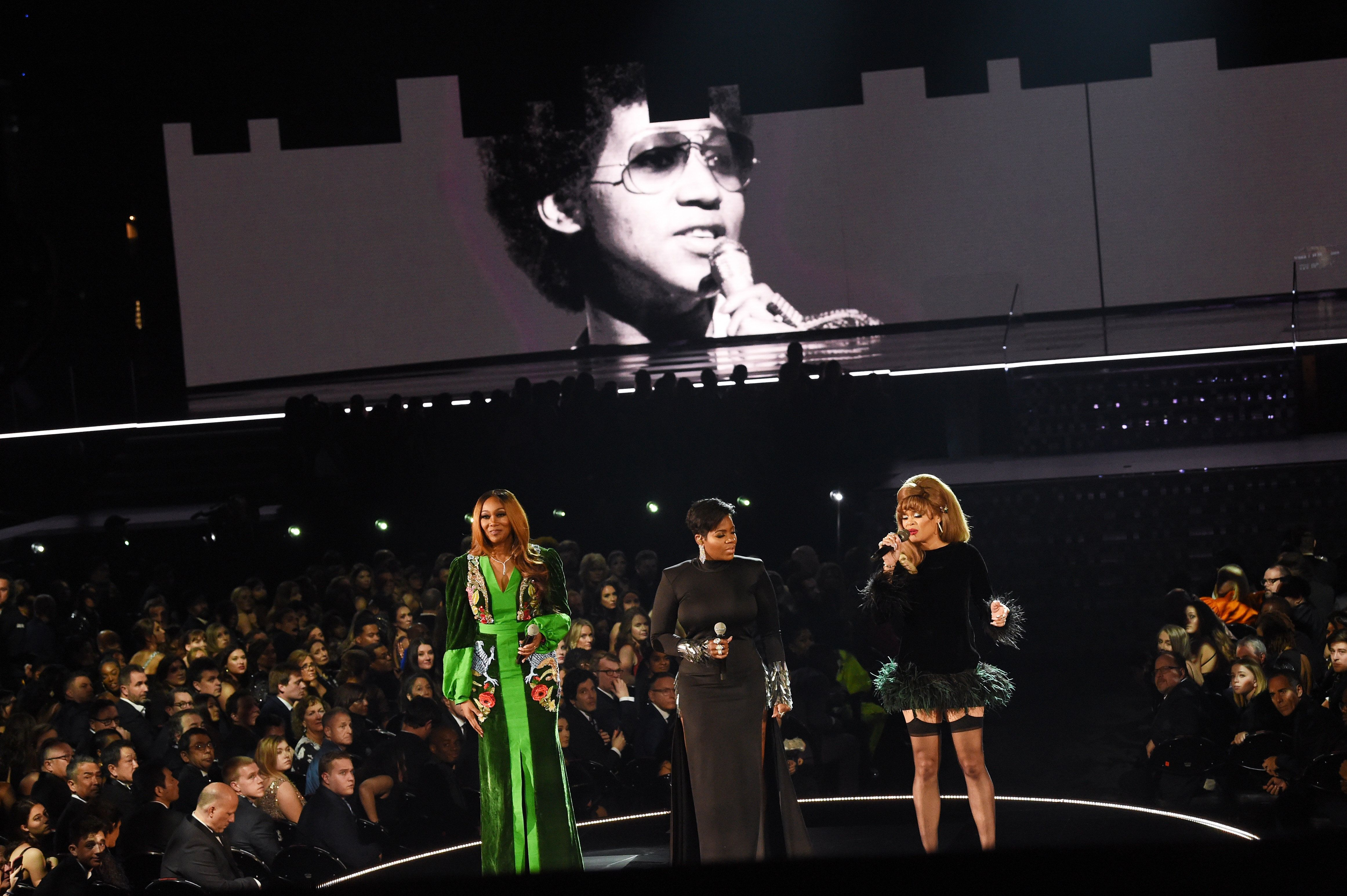 Yolanda Adams, Fantasia and Andra Day performed a powerful tribute to Aretha Franklin at the 2019 Grammy Awards.