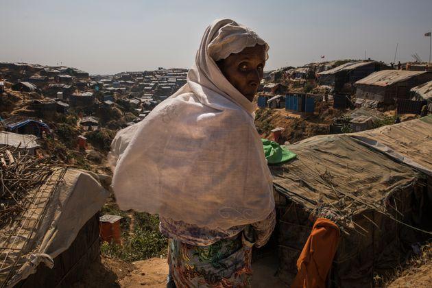 잠톨리 임시 난민 보호소에 머물고 있는 로힝야 난민