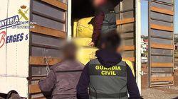 Melilla: La Guardia Civil démantèle un réseau qui fabriquait de fausses cartes de transport aux