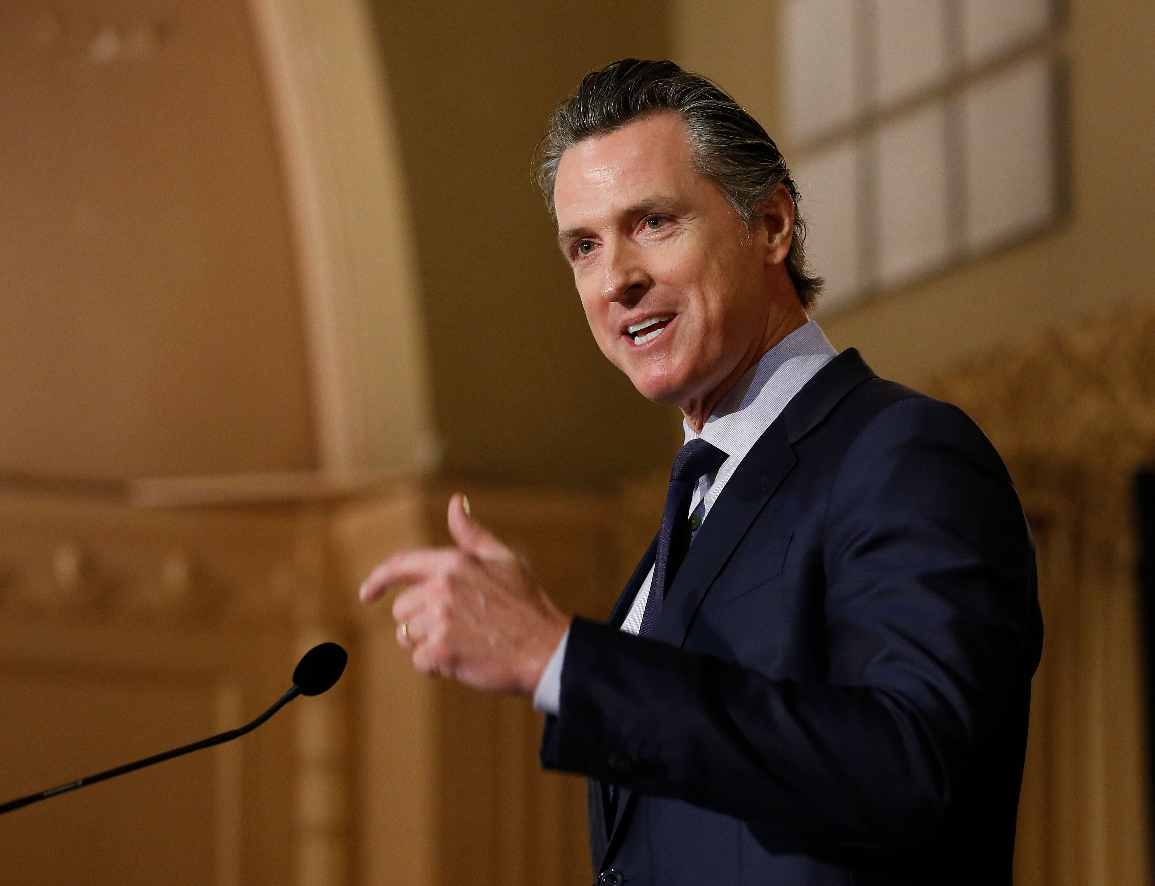 California Gov. Gavin Newsom to recall troops from Mexico border