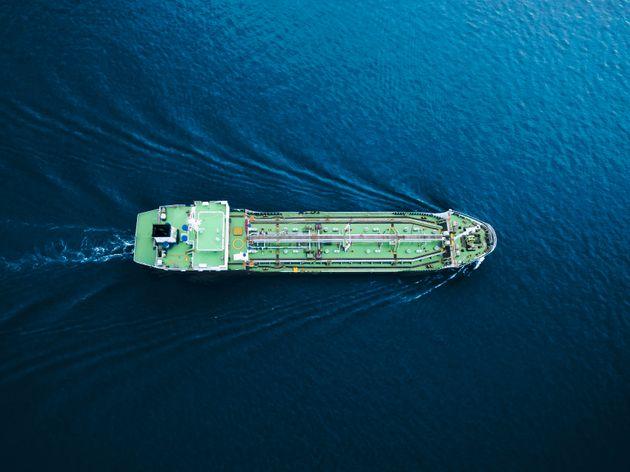 Reuters: «Επέλαση» του αμερικανικού πετρελαίου στην Ευρώπη, καθώς «εκδιώκονται» Ιράν και