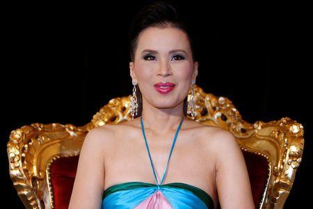 Ταϊλάνδη: Οριστικό τέλος στην υποψηφιότητα της αδελφής του