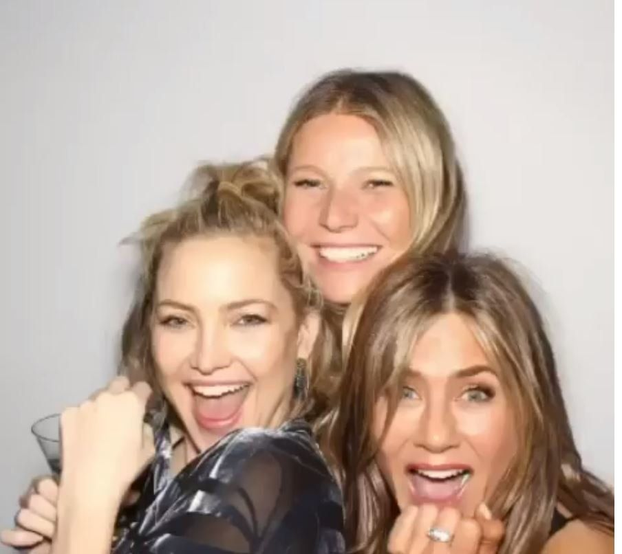 Jennifer Aniston a invité Brad Pitt à son