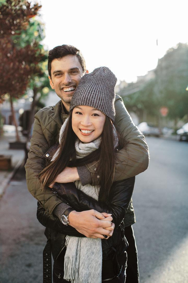 나는 백인 남성과 약혼한 아시아 여성이다. 솔직히,