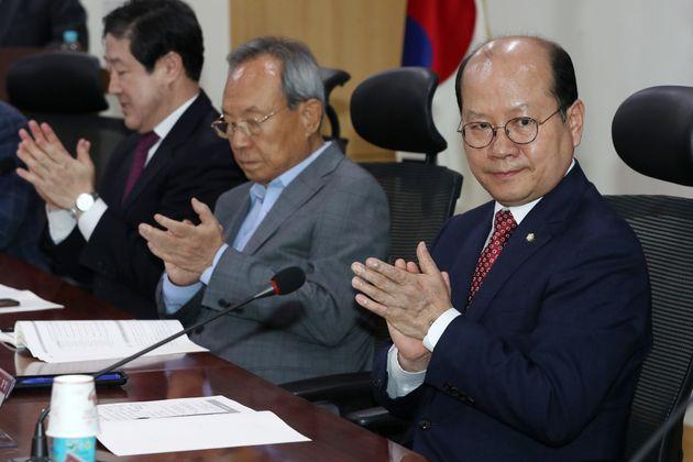 자유한국당이 '5.18 공청회 망언' 3인 가운데 이종명 의원만