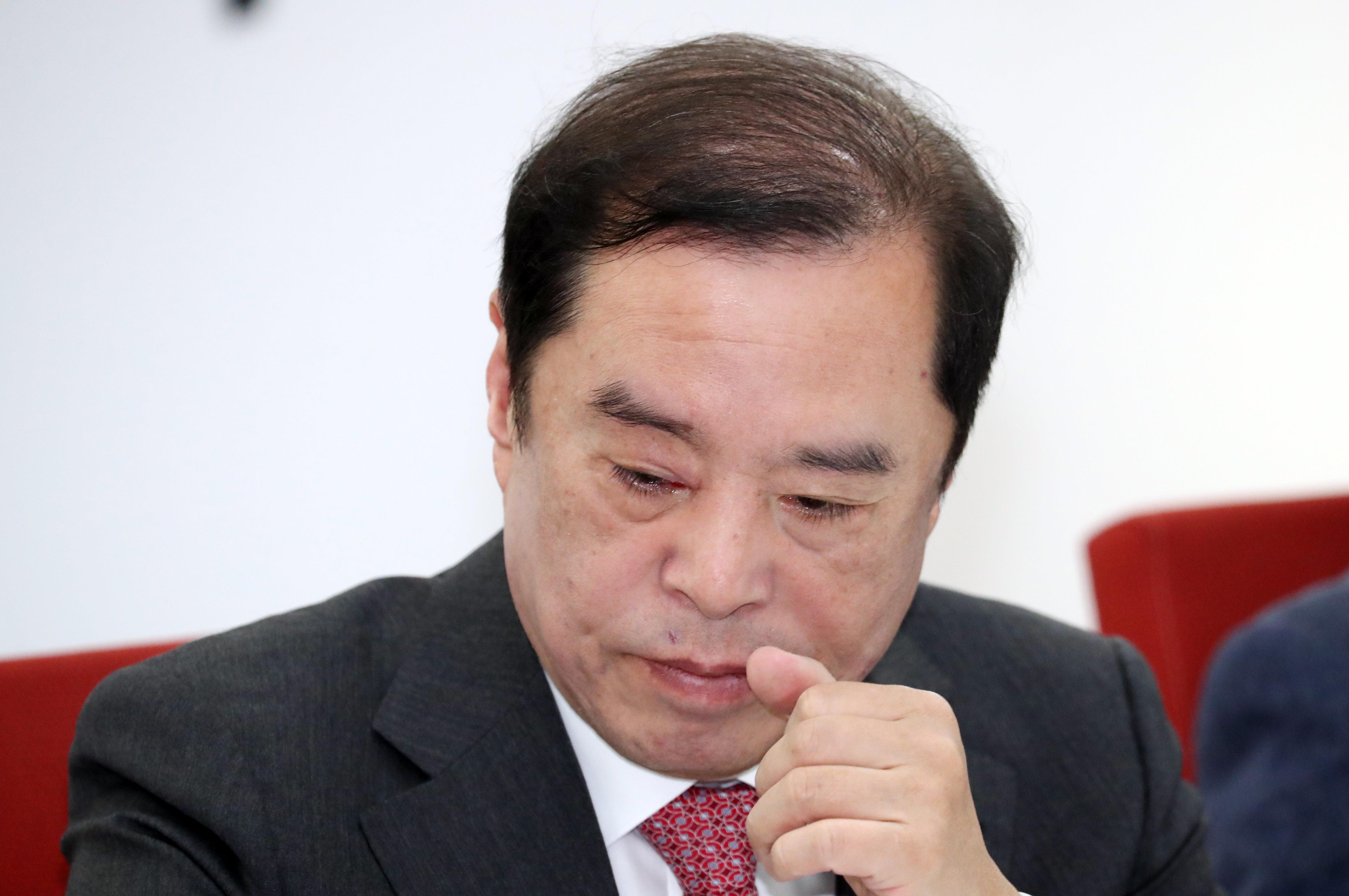 자유한국당이 '5·18 망언'에 대해 뒤늦게 고개를