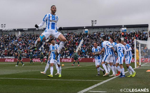 Après un hat-trick historique, Youssef En Nesyri érigé en héros par son club en