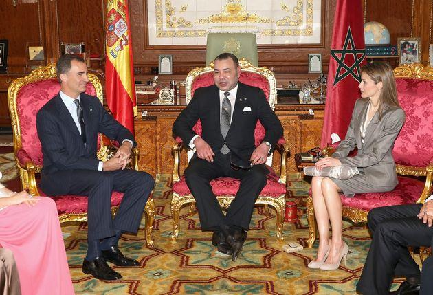 La roi Mohammed VI en compagnie du roi d'Espagne et son épouse la reine