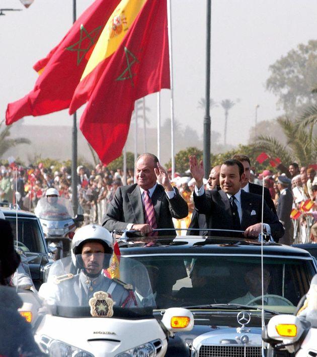 Les souverains en pleine parade officielle à Marrakech, organisée à l'occasion de...