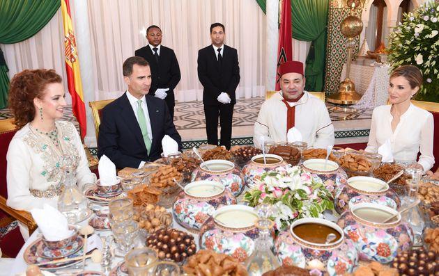 Dîner officiel à l'occasion de la venue du roi Felipe VI au Maroc. De gauche à droite,...