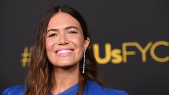 """Mandy Moore arrives at An Evening With """"This Is Us"""" at Paramount Studios on Monday, Aug. 13, 2018, in Los Angeles. (Photo by Jordan Strauss/Invision/AP)"""