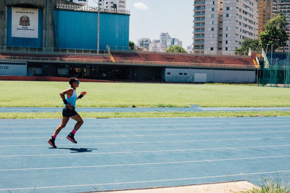 Há quase 20 anos, é na pista do Ginásio do Ibirapuera, em São Paulo, que...