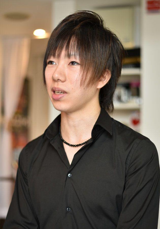 インタビューに応じる中村さん