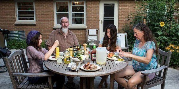 隣の人はどんな夕食を食べてるの?