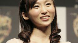 女優の吉木りささんが『いい夫婦の日』に結婚♡ 俳優・和田正人さんと「二人三脚で支え合う」