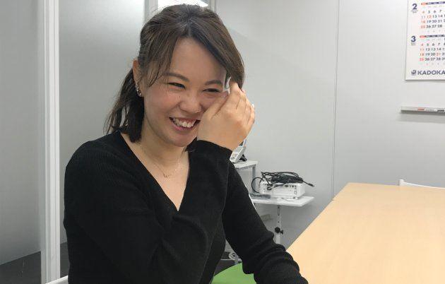 笑顔で取材に応じる中村さん。取材した私も「おひとりさま」なので、互いに「ひとりあるある」で話が盛り上がりました。