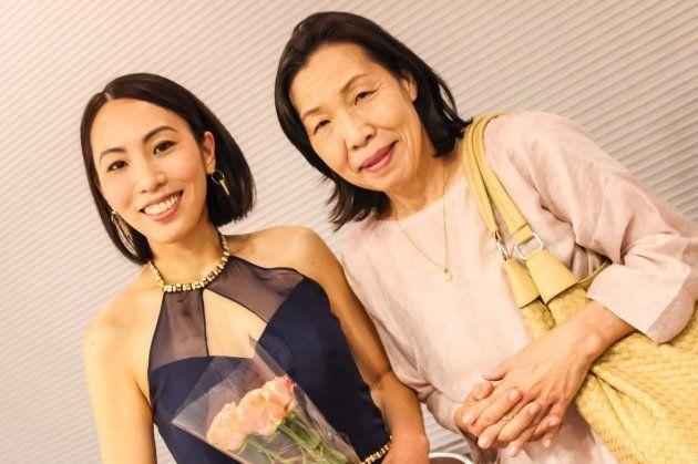 発表会の日の吉岡さんとお母さん