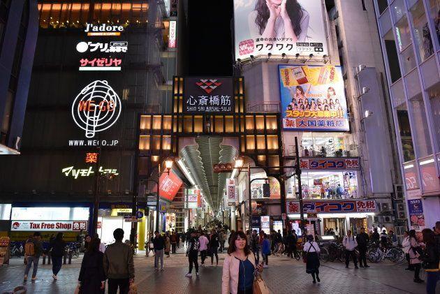 心斎橋筋商店街=4月、大阪市中央区道頓堀