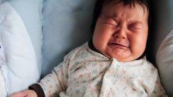 泣き止まない赤ちゃん、必死なお母さん。私が「泣いてもいいよ」ステッカーを作った理由