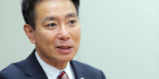 インタビューに答える民進党の前原誠司氏=2017年8月28日、東京・永田町
