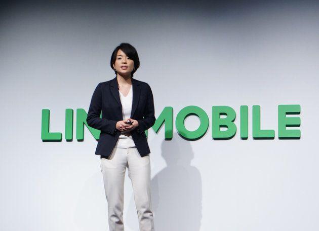 「新たな試みは99%、想定通りの形では成功しない」と話すLINEモバイルの嘉戸社長。中長期の計画を立てることを好む多くの日本企業と違い、「とにかくやってみる」のがLINEの特徴だ