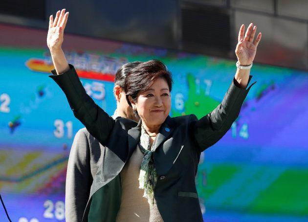 演説する希望の党代表の小池百合子・東京都知事=東京