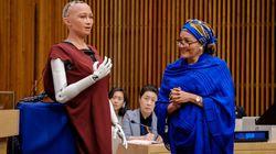 AIロボット「ソフィア」が国連会議に出席、流暢に質問に答える。