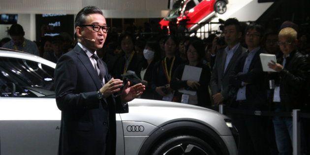 東京モーターショーで挨拶をするアウディ・ジャパンの斎藤徹社長(10月25日撮影)
