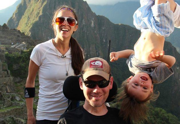 「たくさん泣いて、それ以上に笑うの」難病ALSの夫と見つけた家族のかたち