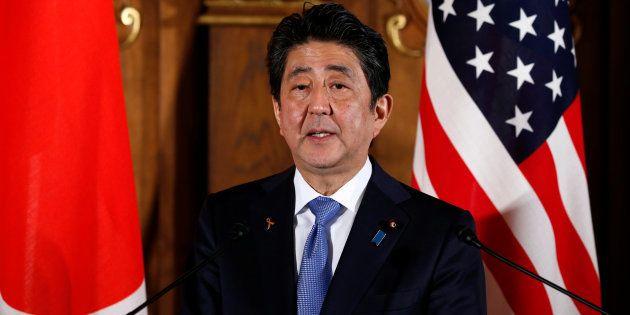 東京・元赤坂の迎賓館でトランプ大統領と共同記者会見する安倍首相