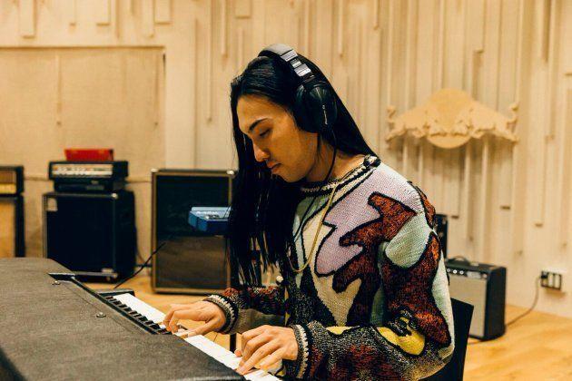 大阪出身の音楽プロデューサー/DJ、Seiho。近年は海外にも活躍の場を広げている
