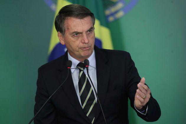 Após eleito presidente, Jair Bolsonaro defendem a criminalização da homofobia. Como...