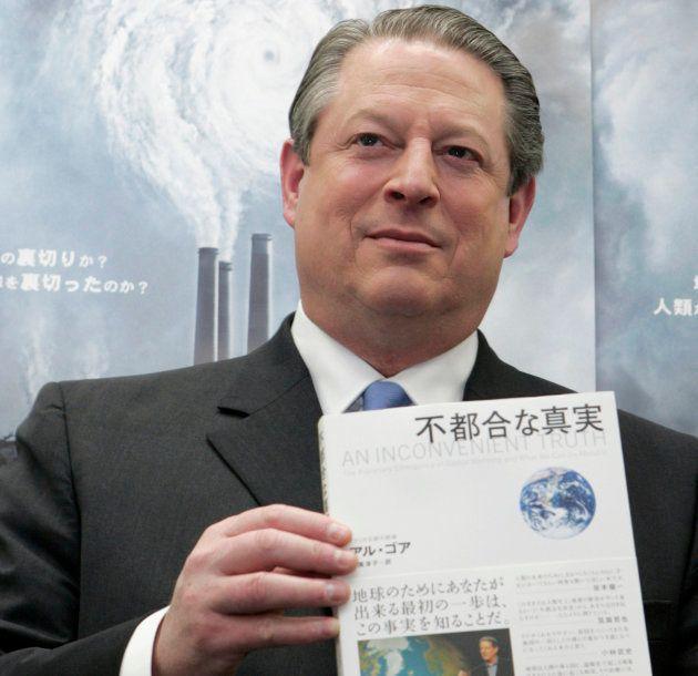 2006年公開の「不都合な真実」。CO2の増加を放置すると海面が上昇し、多くの人が家を失うなどといった衝撃的な内容が反響を呼び、世界中で大ヒット。同名の著書もベストセラーとなった。2007. REUTERS/Yuriko...