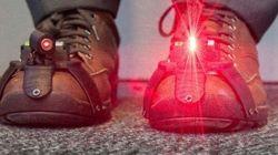 レーザー・シューズ。この靴がパーキンソン病患者をふつうに歩けるようにする