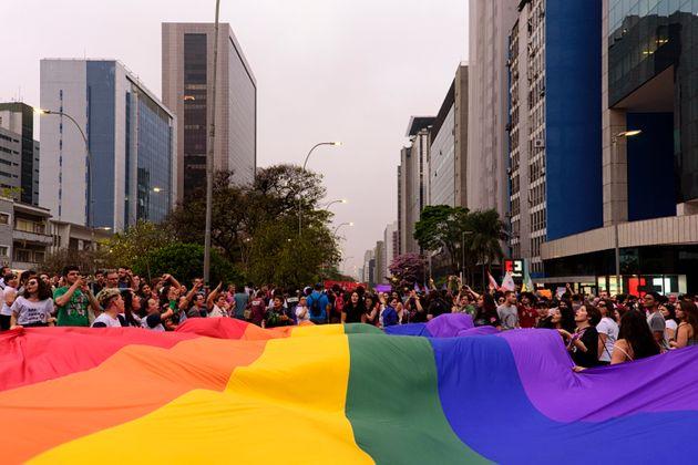 Levantamento do Grupo Gay da Bahia contabilizou 445 lésbicas, gays, bissexuais, travestis e transexuais...