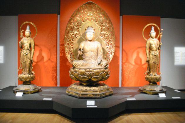 東京国立博物館の特別展「運慶」に出展されていた浄楽寺の阿弥陀如来坐像と両脇侍立像=朝日新聞社撮影