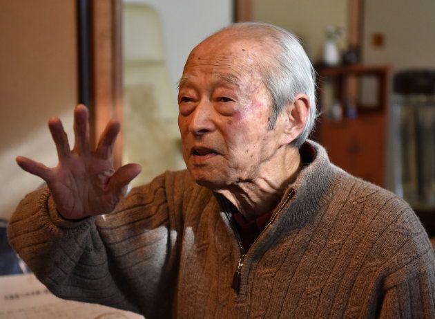 沖縄戦で生き残った男が「封印」した356通の手紙。時空を超え、若者たちが遺族に届ける